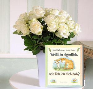 """20 weiße Rosen mit Buch """"Weißt du eigentlich, wie lieb ich dich hab?"""""""