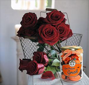 10 schwarze Rosen mit einer Portion Grusel