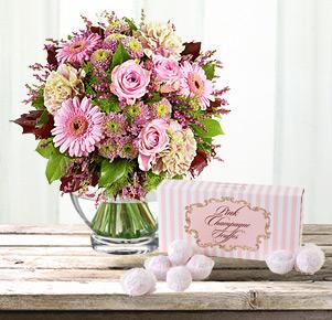 Gratulation mit Pink Champagne Truffes Pralinen