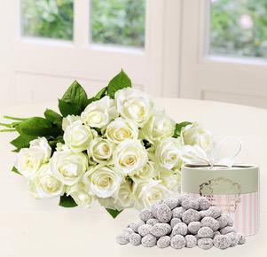 20 weiße Rosen mit karamelisierte Zitronenmandeln