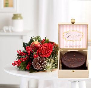 Blumenstrauß Kleine Freude mit Mini Sachertorte in Rot und Rosa