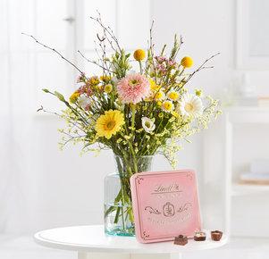 Blumenstrauß Delightful Spring mit Lindt Pralinés Dose in Weiss, Gelb, Rosa und Grün