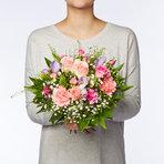 Blumenstrauß  Blumenkuss Größe M mit Lindt Mini Pralinés