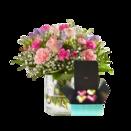 Blumenstrauß Blumenkuss mit Pralinés Herzen