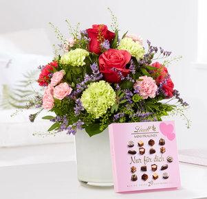 Blumenstrauß Schön, dass es Dich gibt mit Lindt Mini Pralinés Nur für Dich in Weiss, Rosa, Pink und Creme