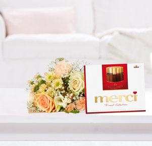 Blumenstrauß Kleiner Dank mit Merci in Weiss, Creme und Apricot