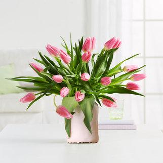Tulpen in Rosa mit Vase in Weiß