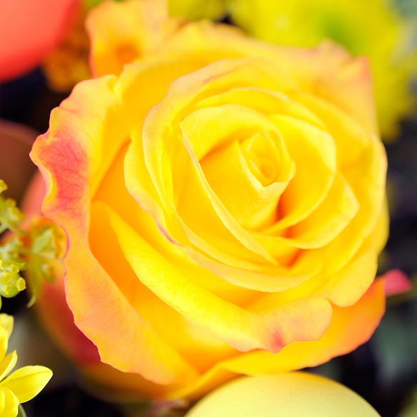 Blumenstrauß  Hase im Glück mit Lindt Pralinen Frohe Ostern