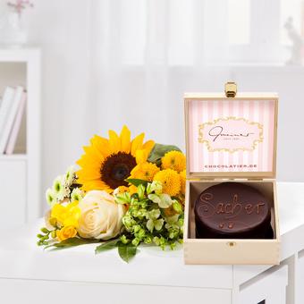 Sonnenkind mit Mini Sacher Torte