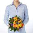 Blumenstrauß  Happy Birthday Größe M mit Geburtstagssekt und Geburtstagsküchlein