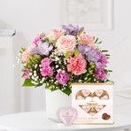 Blumenstrauß  Blumenkuss Größe M mit Niederegger Nougat Herzen