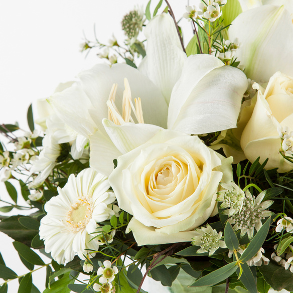 Blumenstrauß  Winterwunderland mit Champagne Truffes mit Goldstaub