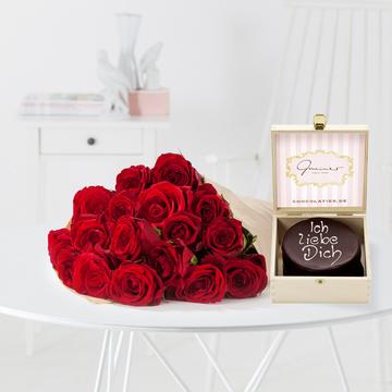 Rote Rosen M mit Mini Sachertorte Ich liebe Dich