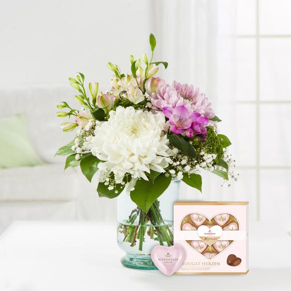 Blumenstrauß  Blumenfreude mit Niederegger Nougat Herzen