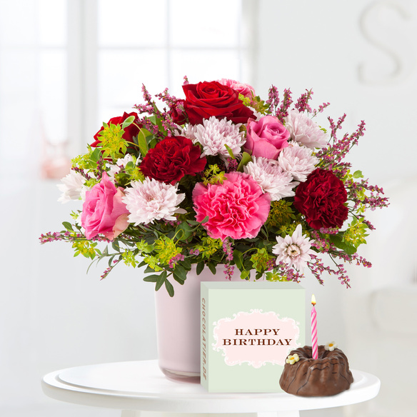 Blumenstrauß  Schön, dass es Dich gibt mit Geburtstagsküchlein mit Kerze