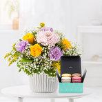 Blumenstrauß  Kleiner Dank mit feinen Macarons