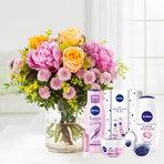 Blumenstrauß  Blumenmeer mit Nivea Glamour Verwöhnset