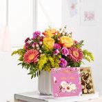 Blumenstrauß  Spiel der Farben Größe M mit Lindt Süße Grüße