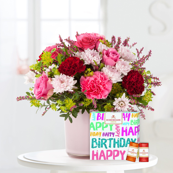 Blumenstrauß  Schön, dass es Dich gibt mit Niederegger Klassiker Happy Birthday