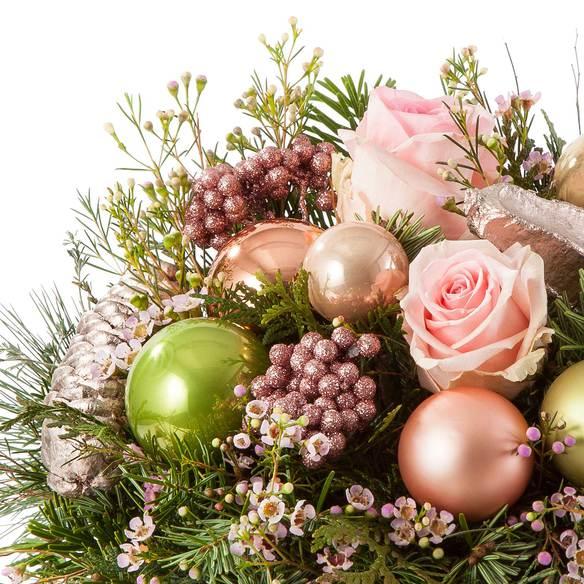 Blumenstrauß  Magical Christmas mit Mini Sachertorte