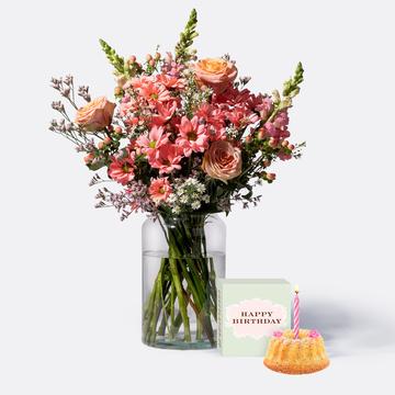Sonnenkuss mit Sommer Geburtstagsküchlein mit Kerze