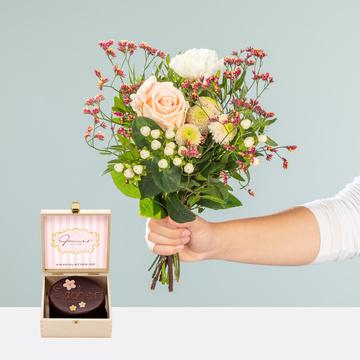 Valentina mit Mini Sachertorte Blumen