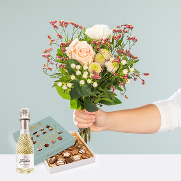 Valentina mit Lindt Mini Pralinés Glückwunsch und Freixenet Prosecco Blanc