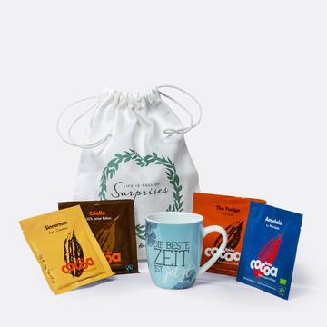 Trinkschokolade mit Tasse und Geschenkbeutel
