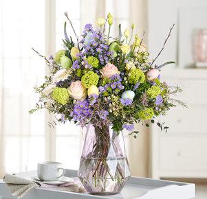 Blumenstrauß Frühlingsduft in Weiss, Rosa, Creme, Lila und Grün