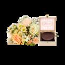 Blumenstrauß Kleines Glück mit Mini Sachertorte