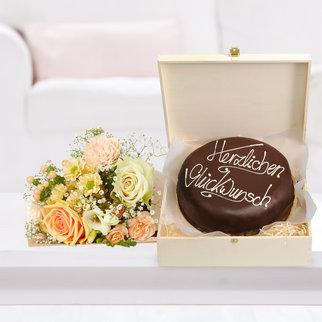 Kleines Glück mit Schokoladentorte Glückwunsch