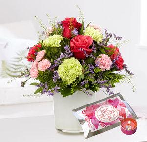 """Blumenstrauß """"Schön, dass es Dich gibt"""" mit Teelicht """"Schön, dass es dich gibt"""" in Rosa, Pink und Creme"""