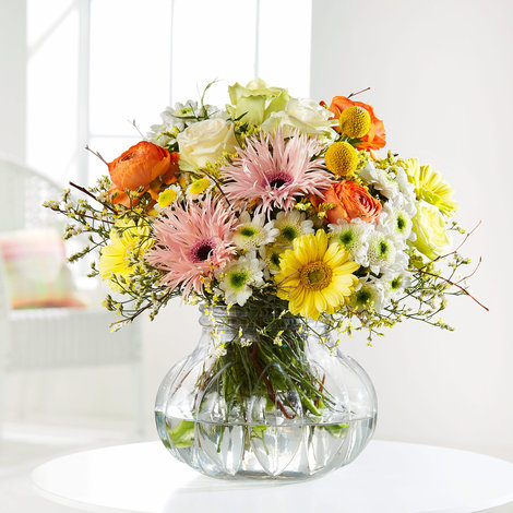 Blumenstrauß Pure Spring in Weiss, Gelb, Rosa und Apricot